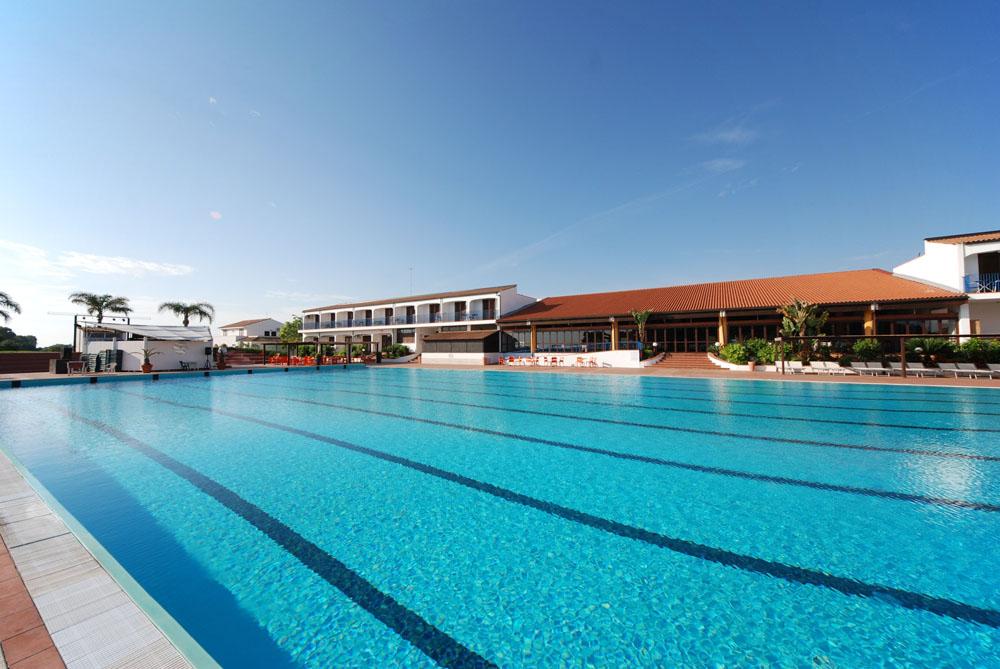 CLUB HOTEL SANTA SABINA TORRE GUACETO ( LOC. TORRE S. SABINA – OSTUNI)